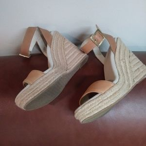 MICHAEL KORS LEATHER ESPADRILLE WEDGES Sz 7